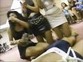 セクシーボディコンお姉さんたちがお札に群がるバブリーな動画